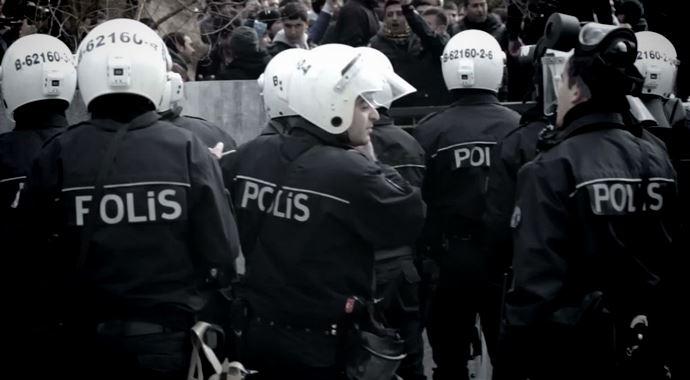 polislikte-yas-siniri-kactir