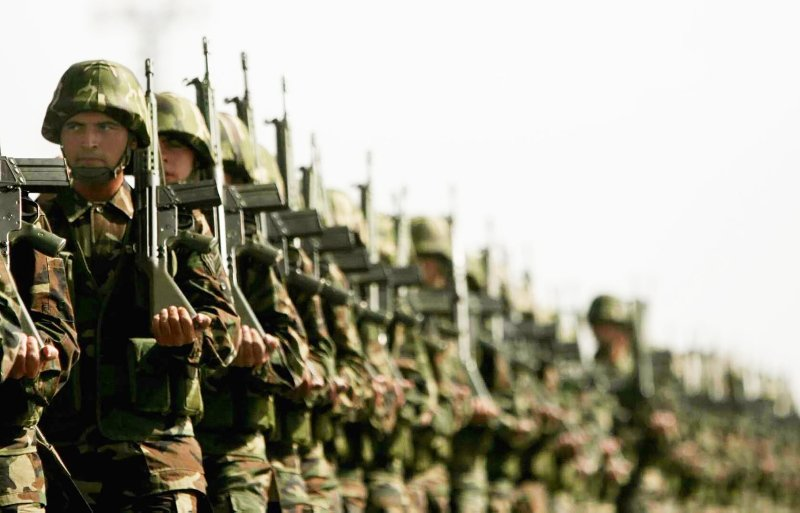 Skolyoz askerliğe engel mi