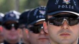 Cilt Çatlakları Polis Olmaya Engel Midir?